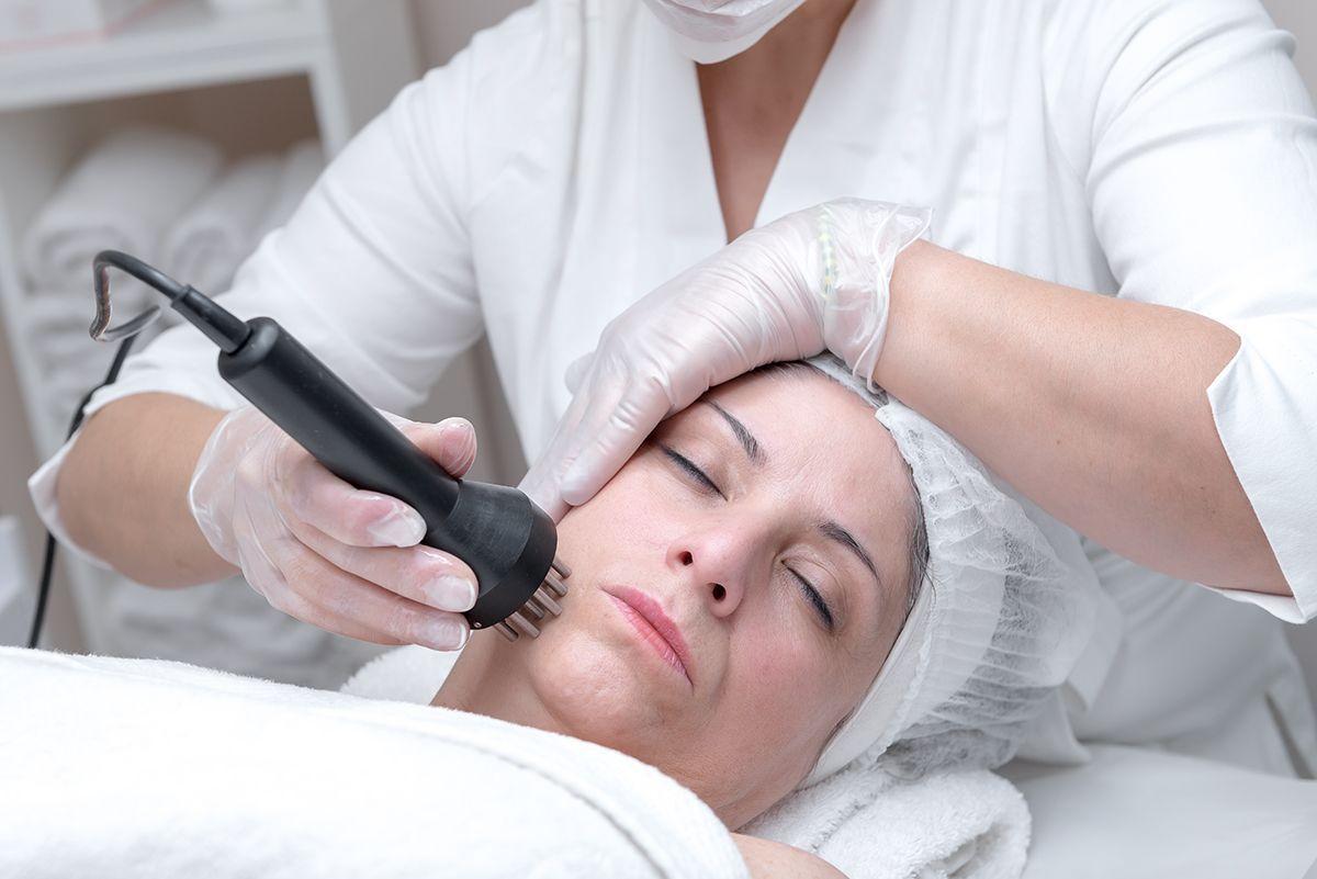 tratamiento rejuvenecimiento facial en la eliana